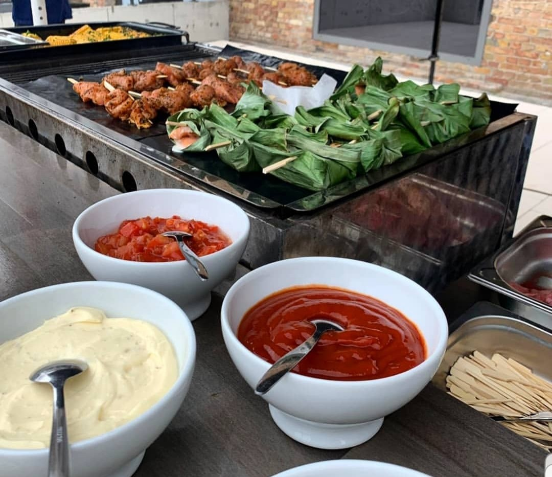 Genussboten Catering Berlin - Poolparty - 16.07.2019 - junges Team - BBQ 3
